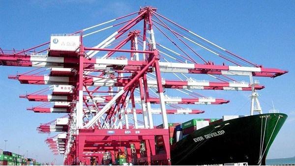 我国进口油接卸第一大港青岛港扩能增产